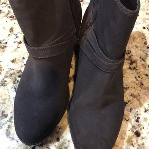NWOT Life stride dark brown ankle boots
